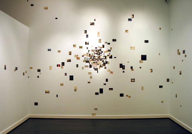 Detalle de una exposición de Yamamoto Masao.