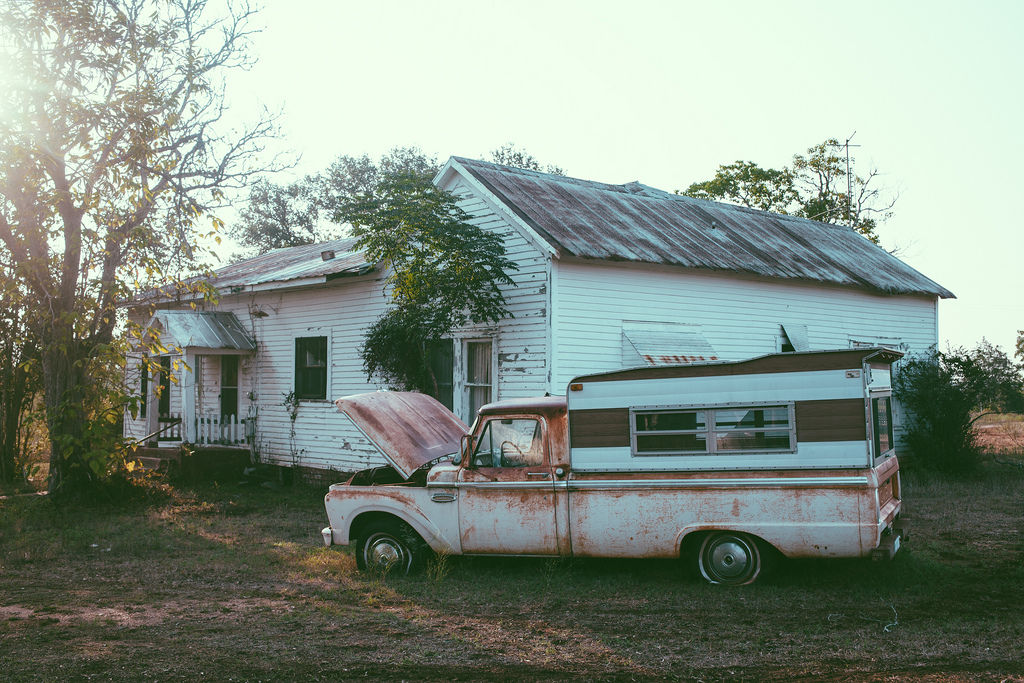 The Home Place photo series  by  Emily Blincoe aka @thuglifeforevs  ( Twitter  |  Instagram )