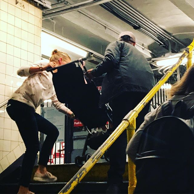 Helping hand up the steps. . . . . . #Nicenewyorker #Nicenewyorkers #Nyc #Nicenyc #Ilovenyc #mkexplore #shotzdelight #rsa_streetview #vscoportrait #urbanandstreet #gearednomad #uncalculated #symmetricalmonsters #quietthechaos #thecreative #yngkillers #seemycity #famfirst #familylove #brooklynny #brooklynphoto #iphoneography #karma #strollerworkout #payitforward #nyclife #nyc