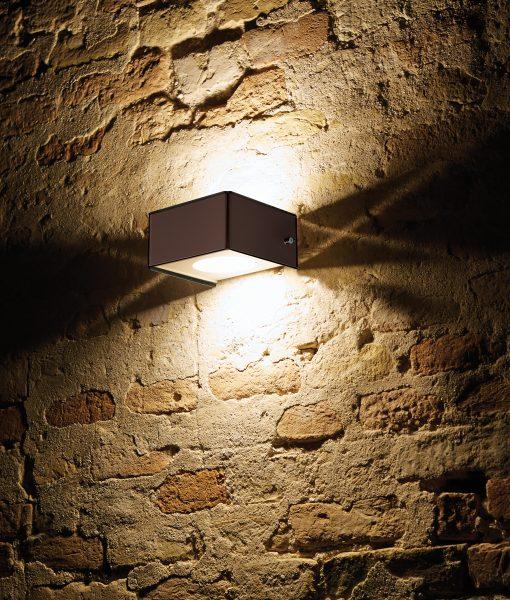 Dama wall lamp