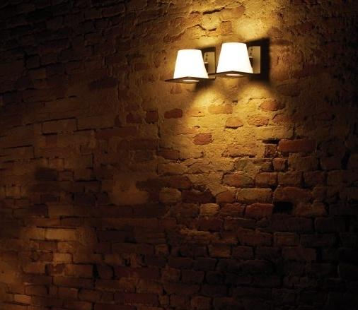 Camilla wall lamp