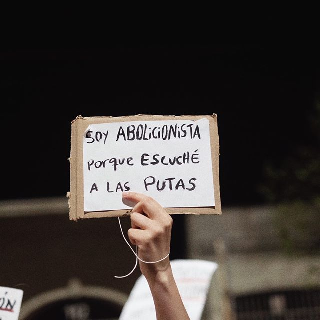 Poder popular 👩🔧🧙🏼♀️🧓🏾👨🏼🎤 . . #encuentroplurinacional #abolicionista #streetphotography