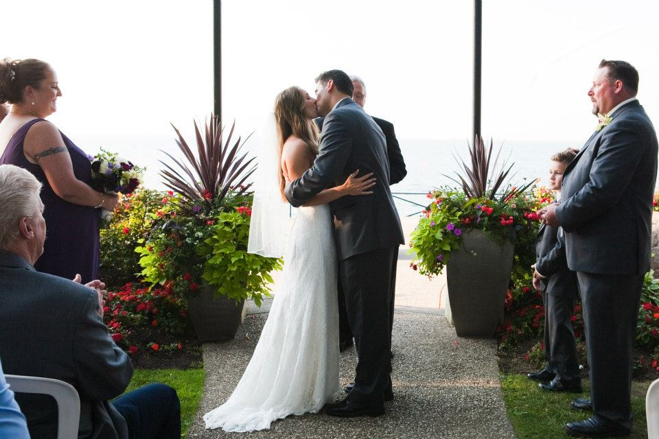 LIUNA GARDENS WEDDING, FLOWERS, HAMILTON