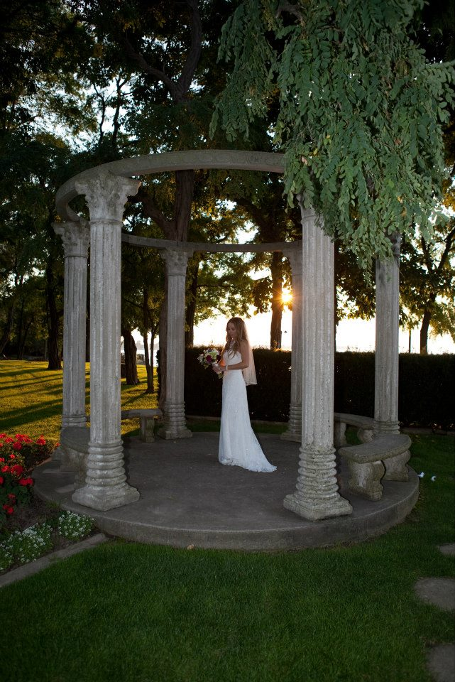 LIUNA GARDENS WEDDING FLOWERS