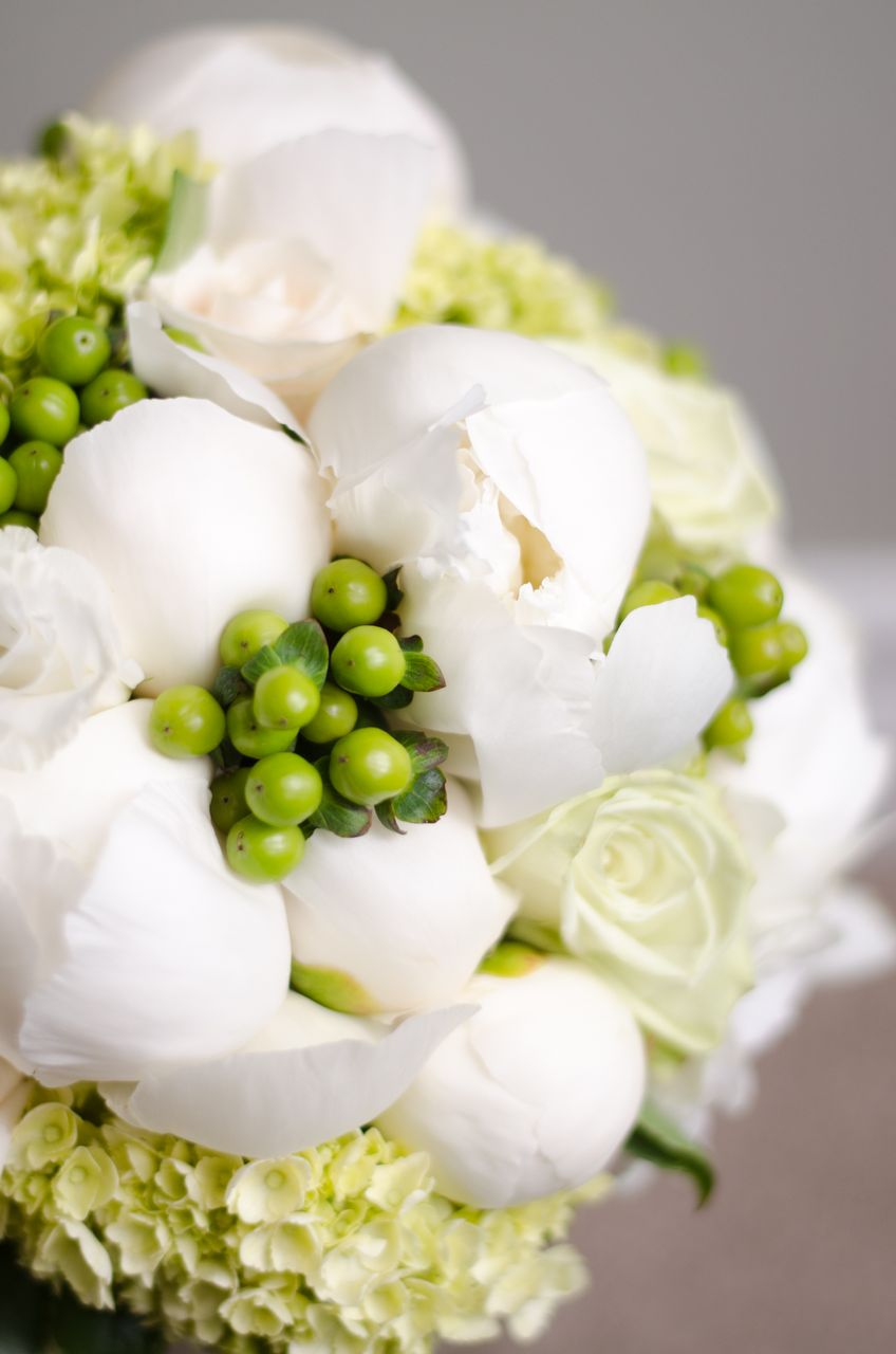 SOUTHSHORE COMMUNITY CENTRE WEDDING, BARRIE WEDDING BOUQUETS