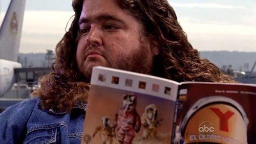 Hurley, on Lost , reading Y: The Last Man  in a writer-writes-in-his-own-writing meta vortex.