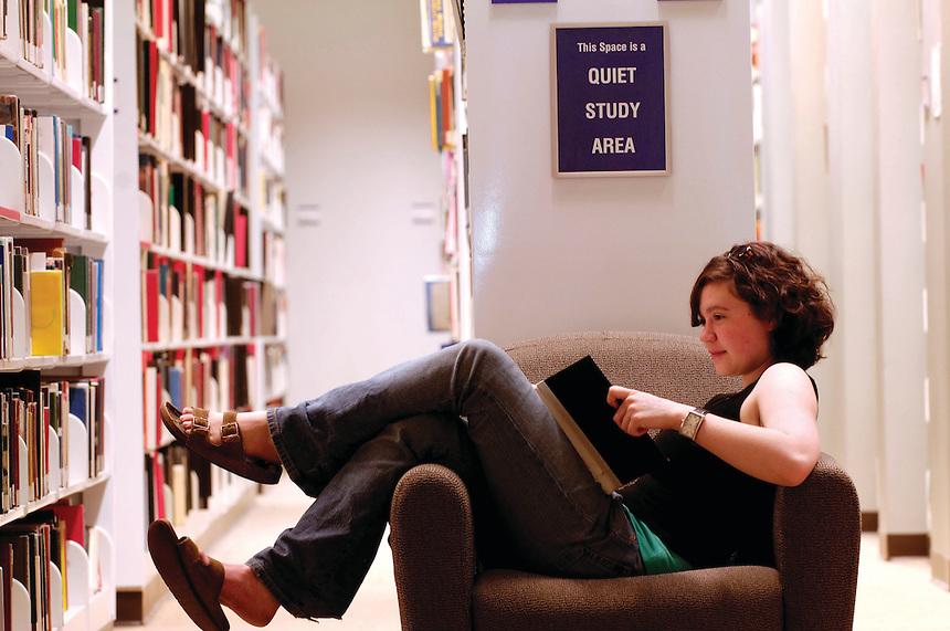 Iwasaki Library at Emerson College (via      Emerson Colleg  e   )