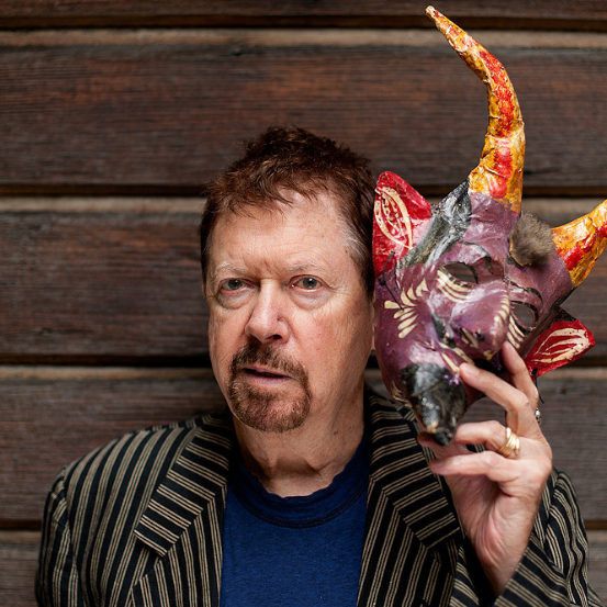 Tom Robbins (via    Stuart Isett   )