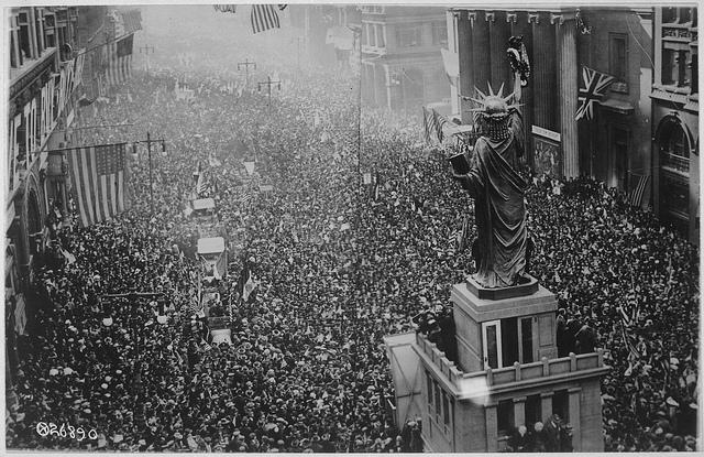 Announcement of the armistice on November 11, 1918 in Philadelphia (via    The U.S. National Archive   )