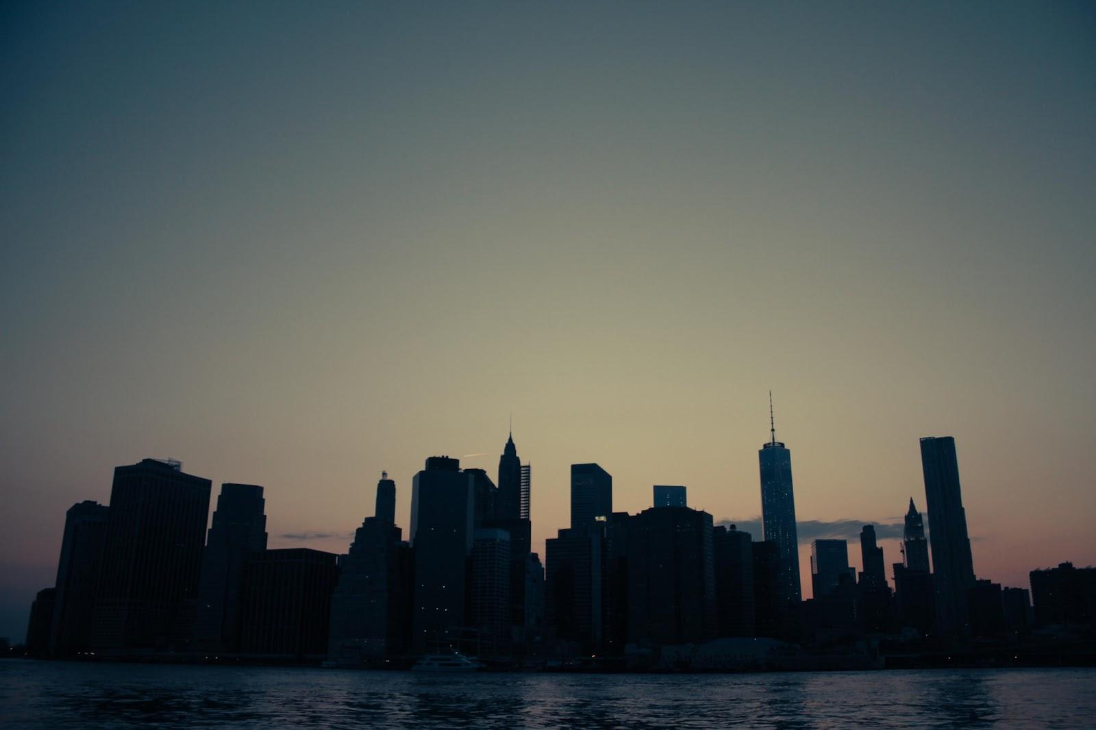 Manhattan at sunset (via    Flickr   )