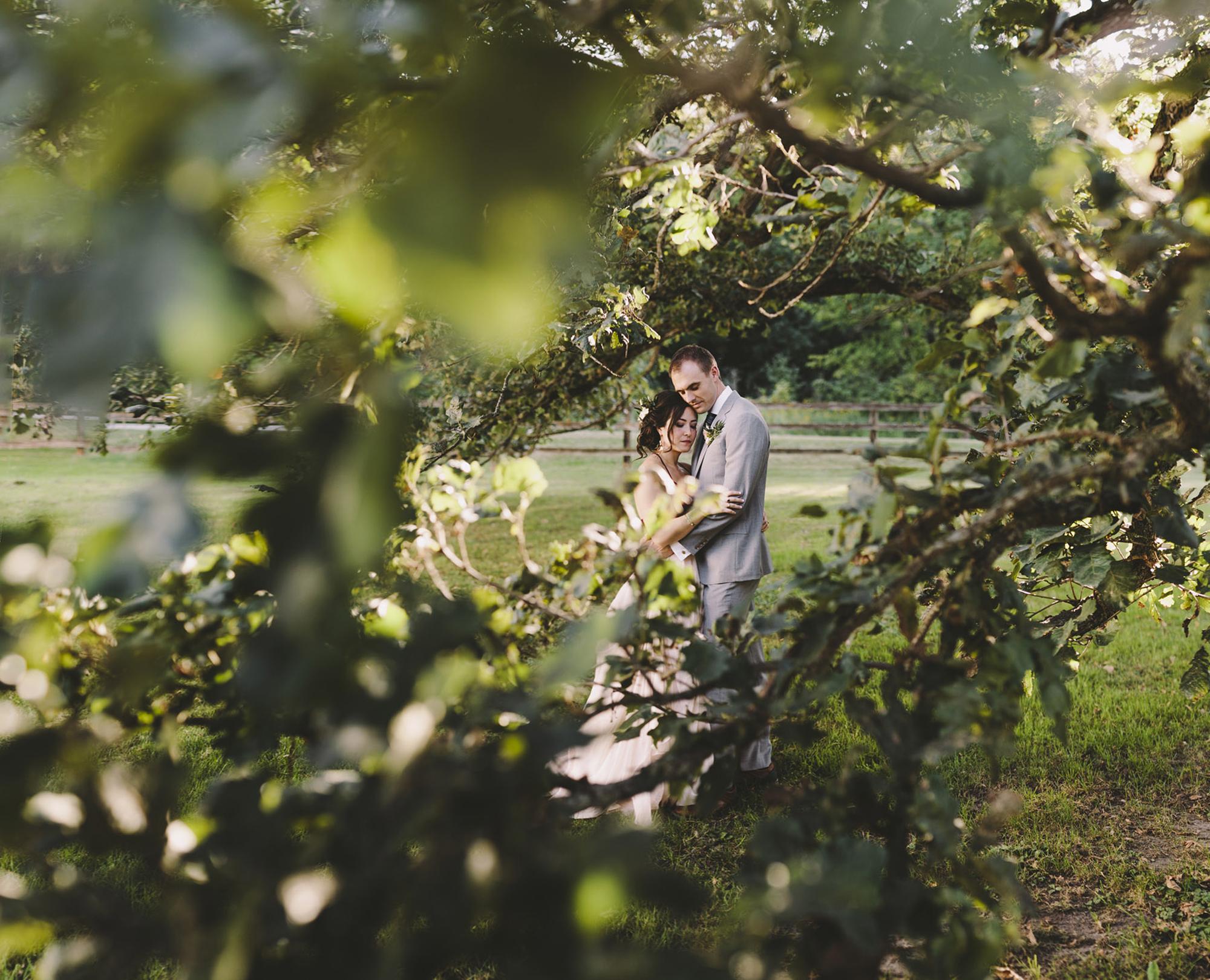 Brandon werth minnesota wedding photographer mayowood stone barn