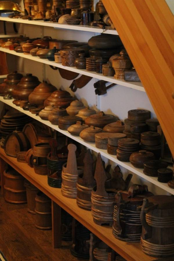 this was a very nice collection of wooden objects.