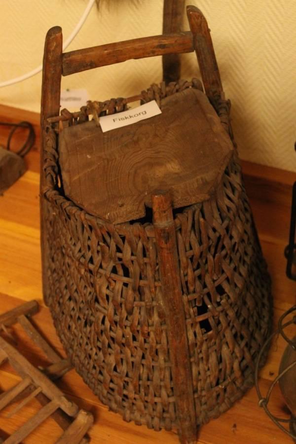 ice fishing basket