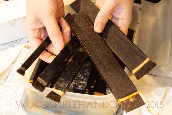 These handmade brushes are made from human hair and are specifically used in urushi work. There are only two individual makers in Japan today. The hair lies inside the entire wooden handle which can be trimmed away to get more bristle after extended use.