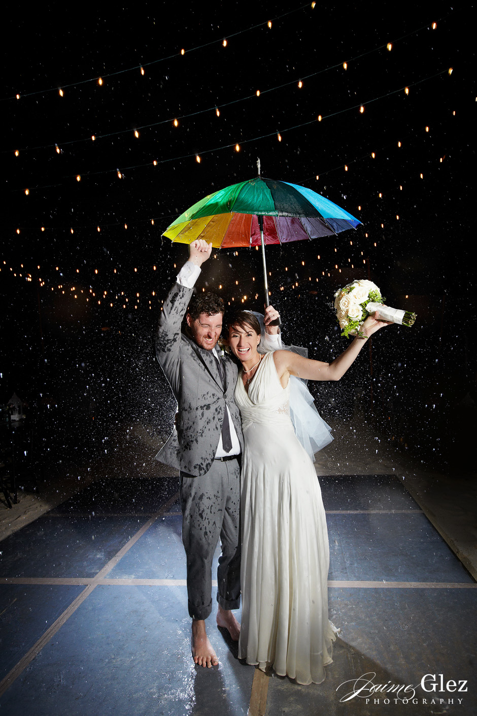 Have you ever wondered what if it rains on your wedding day?... just have FUN!!