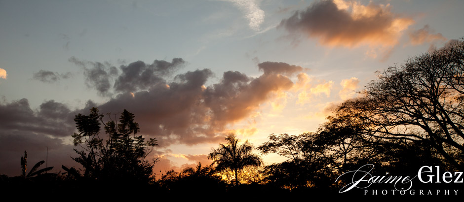 The perfect sunset in Yucatan for a wedding day!