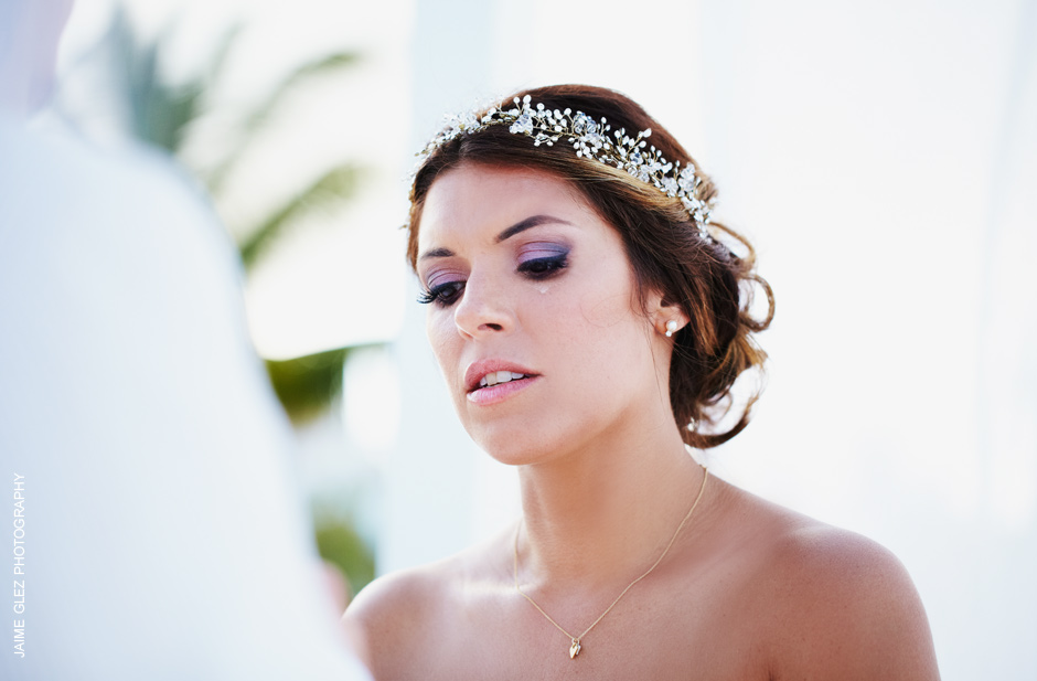 The very specific moment where the bride gets emotional. Beautiful!