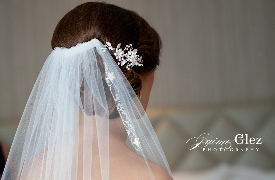 Beautiful bridal tiara! Gives so much style!
