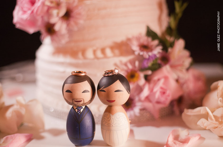 Love this wedding cake toppers! So charming!