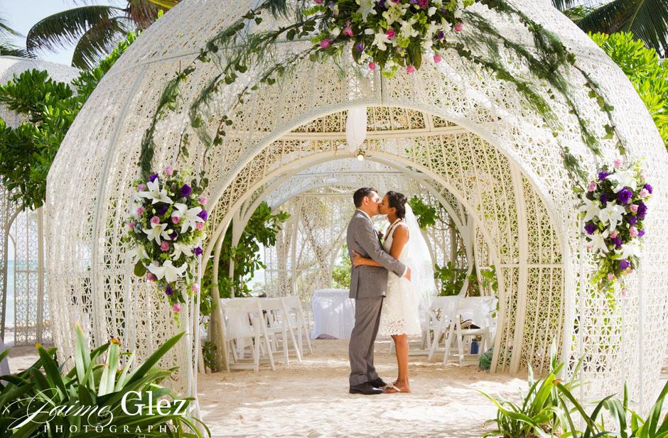 sandos caracol eco resort wedding photos