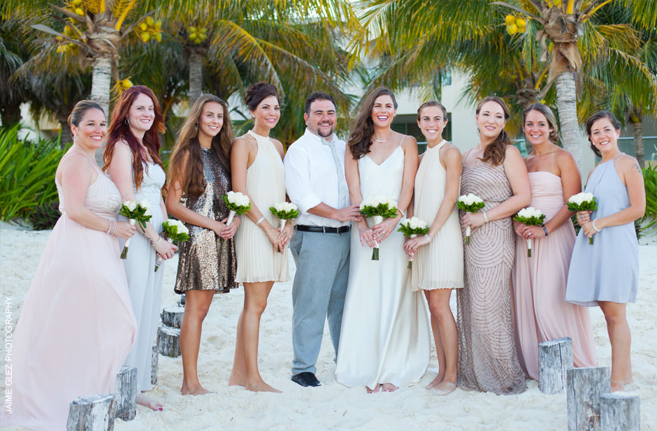 Portrait with all bridemaids.
