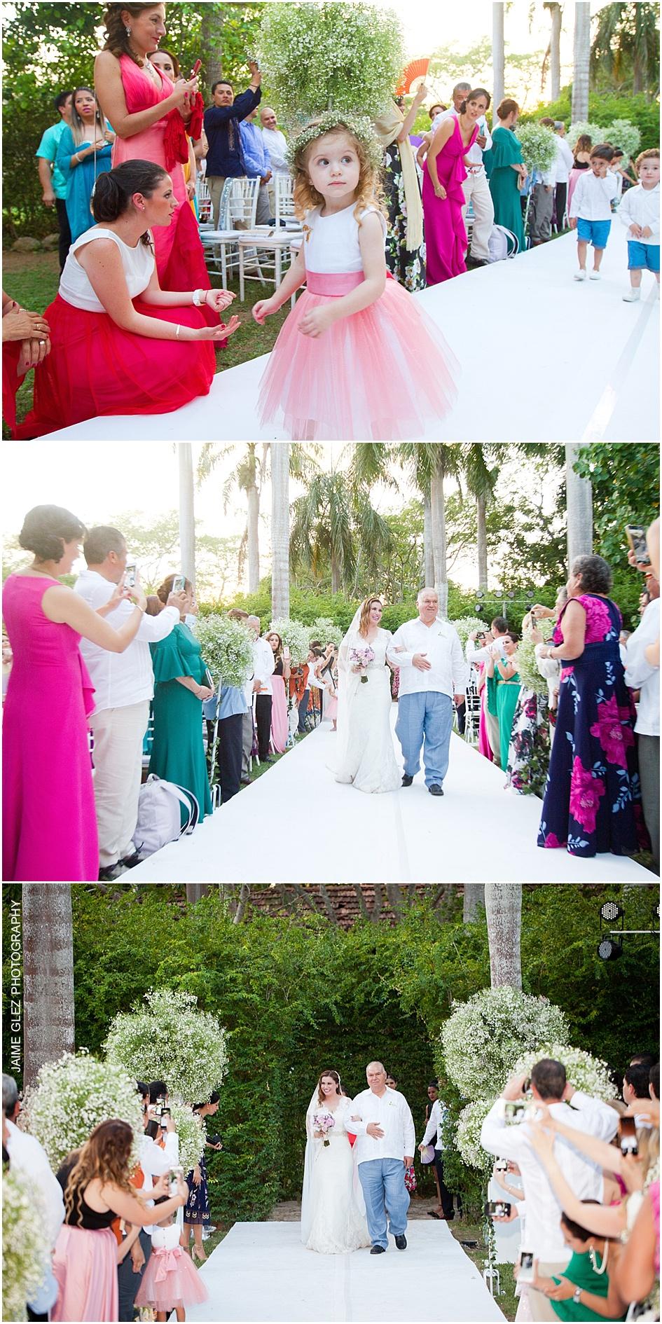Lovely bride's entrance!