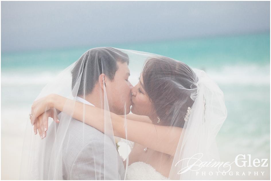 Sandos cancun luxury wedding 35