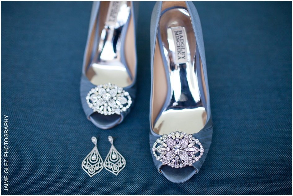 Very elegant style bridal shoes! Love that blue!