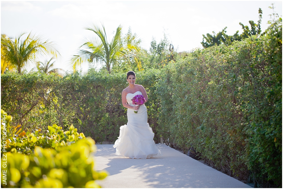 finest playa mujeres wedding pictures 16