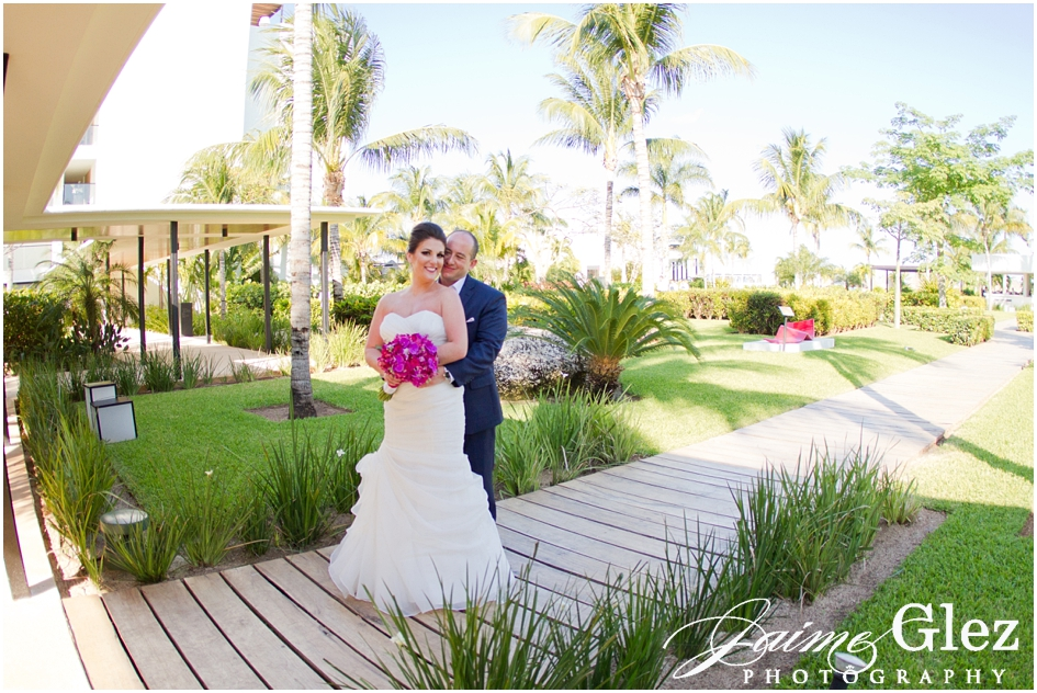 finest playa mujeres wedding pictures 11