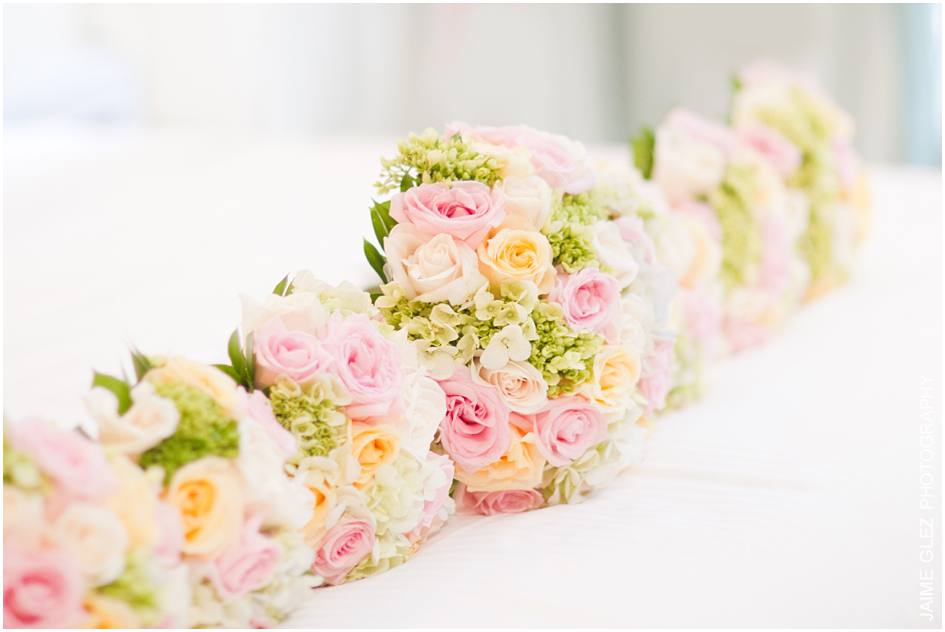 Beautiful fresh and soft floral bouquet for an elegant and classic summer wedding