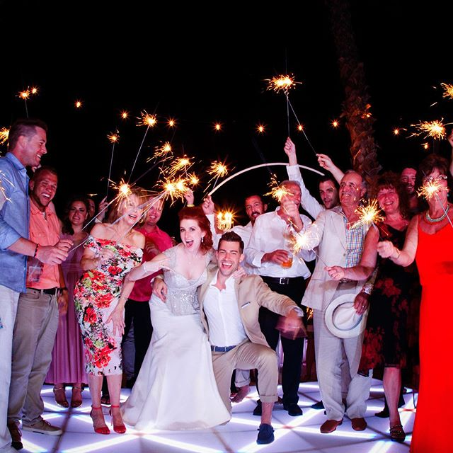 Who does't love #sparklers on their wedding night ✨✨✨ Photography @jaimeglezphotography | Venue @secretsresorts #weddingreception  #secretsplayamujeres #secretsplayamujeresweddings #weddingsparklers #secretsplayamujereswedding