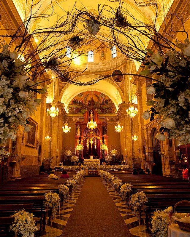 Iglesia de la tercera orden: A 17th-century church in Merida Yucatan  Photography @jaimeglezphotography   Wedding Planner @sixsens.weddingdestination  #jaimeglezphotography #yucatan  #terceraorden #iglesiaterceraorden #yucatanwedding #yucatanweddings  #casateenmerida #casateenyucatan  #bodasyucatan #bodasmerida