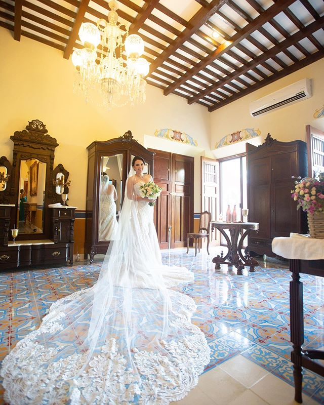 Nuestra dulce Tatiana en nuestro bello #yucatan Photography @jaimeglezphotography  Wedding planner @yesidoeventosdestino  Venue @haciendasandiegocutz   💐 @vicentcoral   Video @encuadredigital  👨🍳 @margaritazoreda   DJ @weentertainmx  #jaimeglezphotography #bodasmerida #bodasyucatan #bodasmexico #yucatanwedding #yucatanweddings #haciendasandiegocutz #sandiegocutz #haciendawedding #yucatanweddingphotographer #yucatanweddingphotography #casateenmerida #casateenyucatan