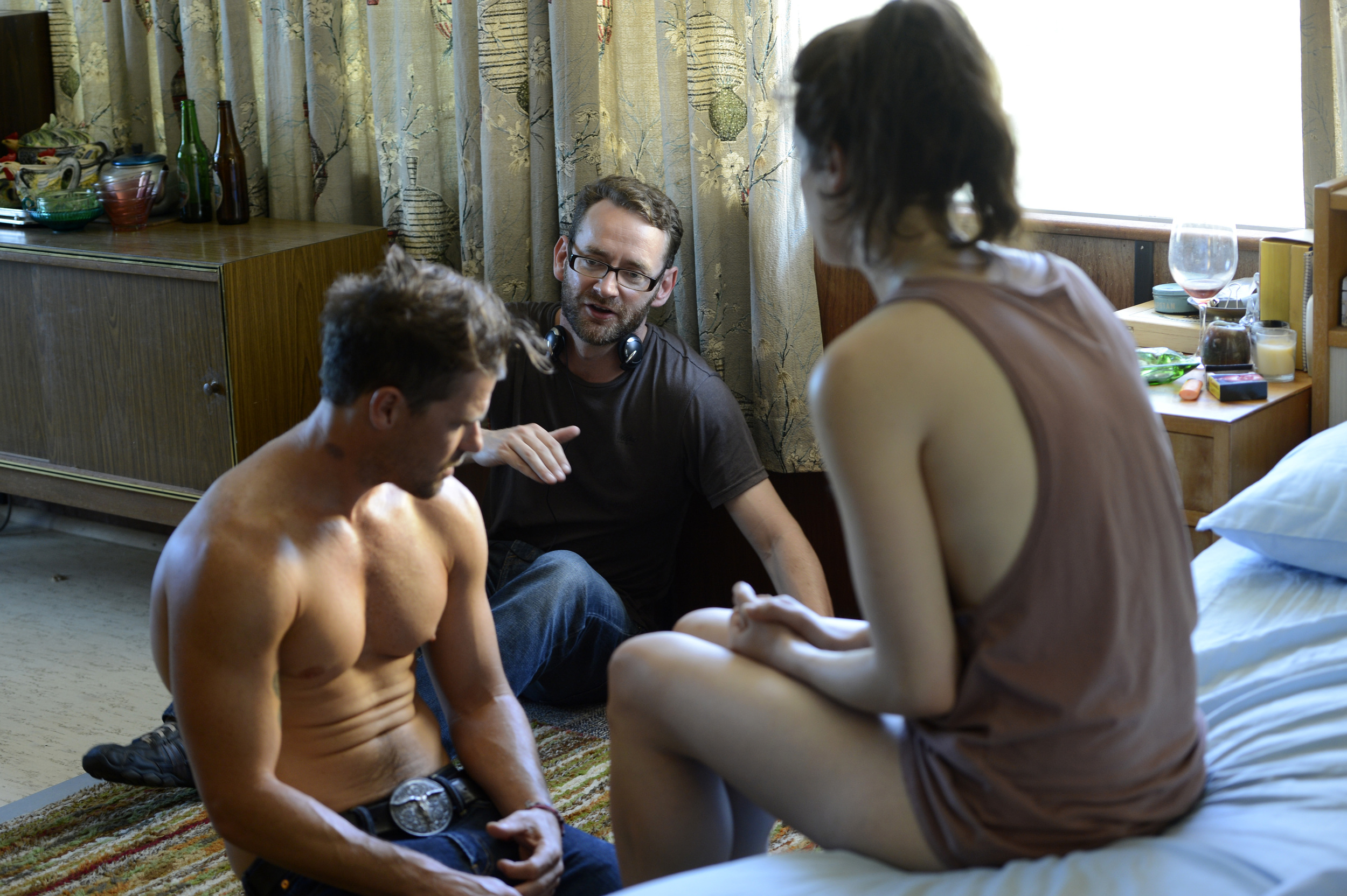Zak directing Nathan Philip and Jess De Gouw on the set of These Final Hours