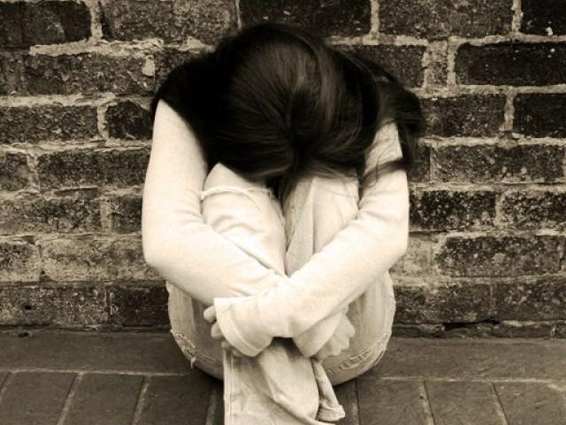 sad lonely girl.jpg