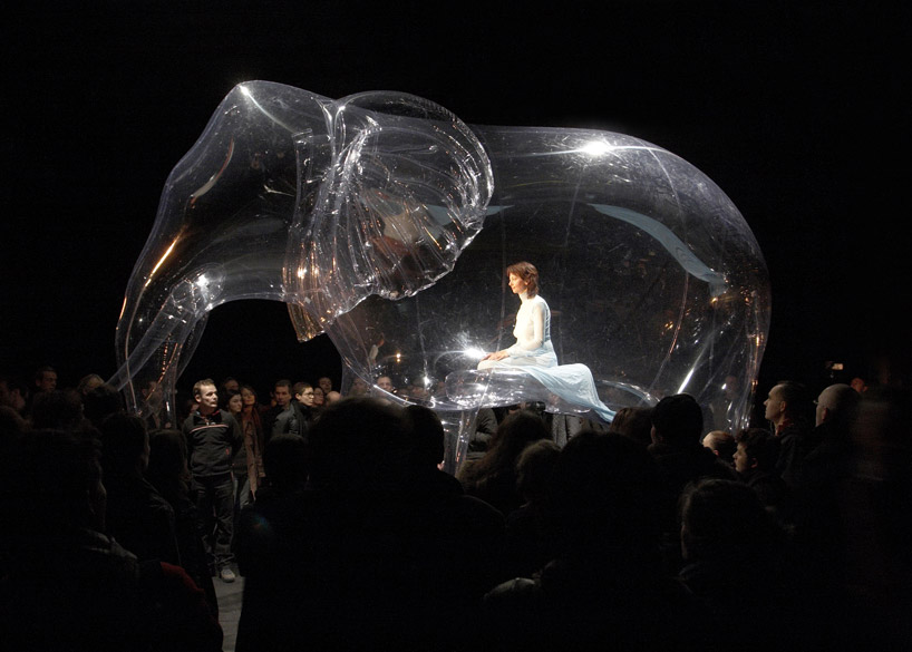 performance-art-meets-inflated-sculptures-by-victorine-muller.jpeg