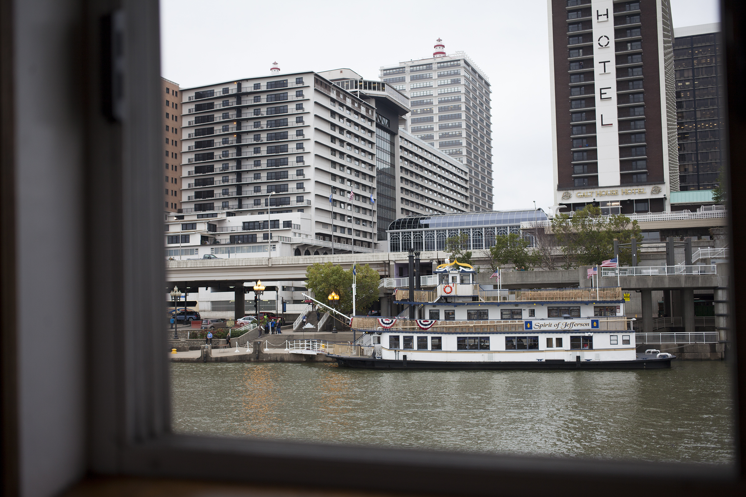 The Spirit of Jefferson waits for passengers on the river front during the Centennial Festival of Riverboats.