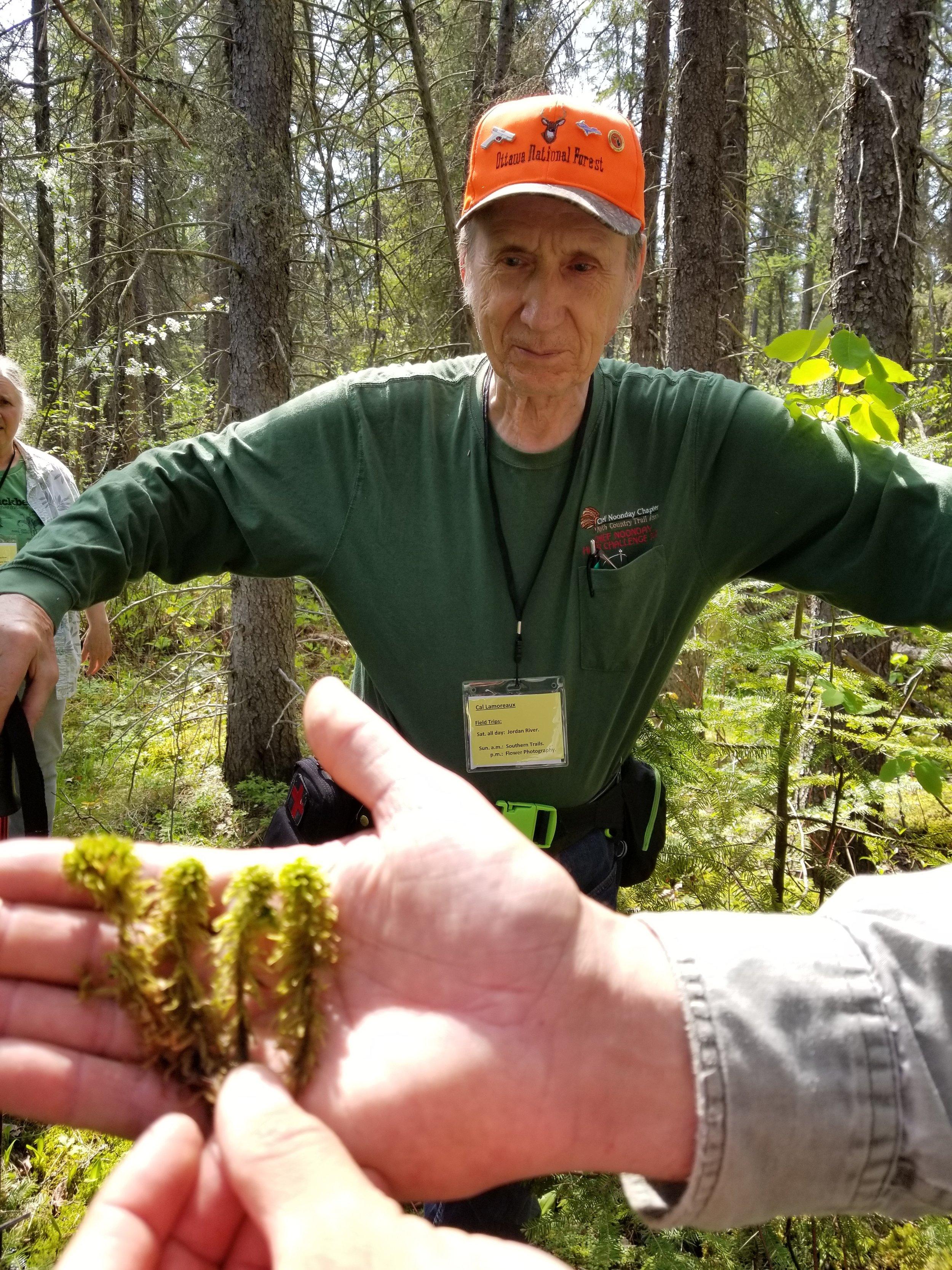 Jordan R (19) Cal Lamoreaux with Sphagnum palustris.jpg