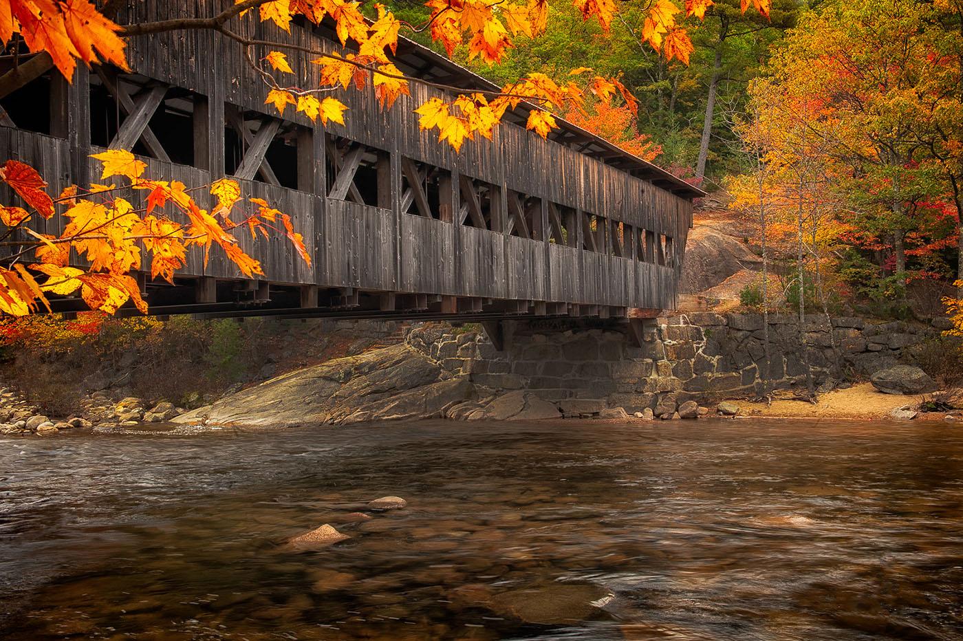 fall_coveredbridge.jpg