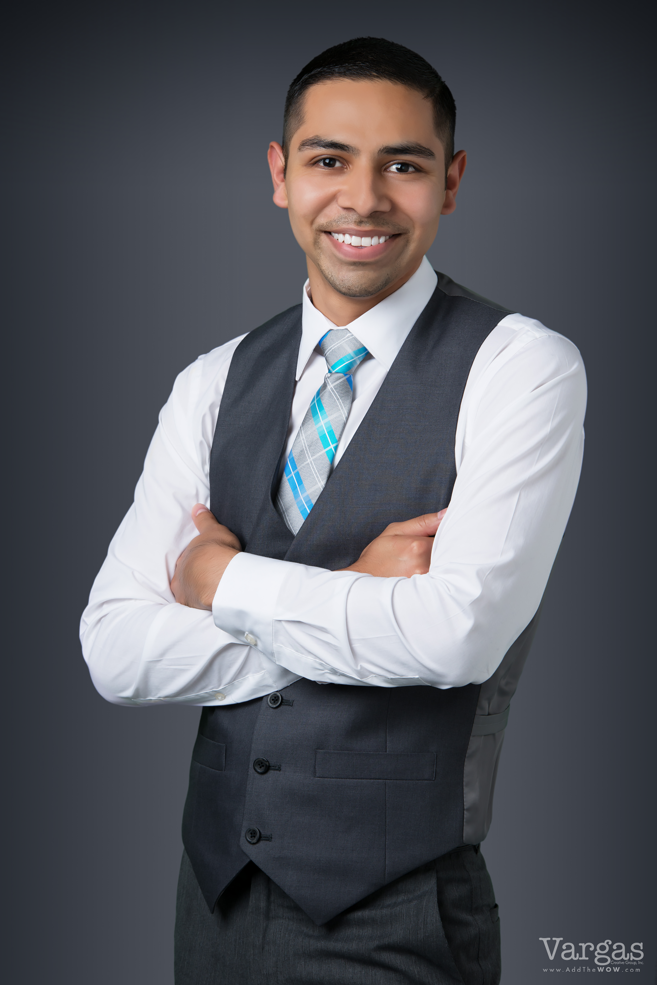 Gomez_Victor-Realtor-Moreno-Valley-Business-Portrait-Head-Shot.png