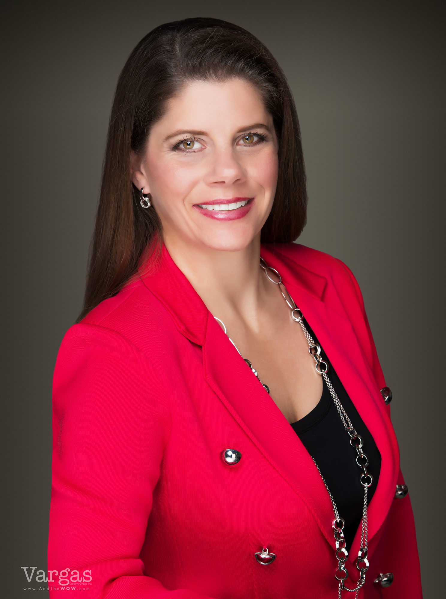 Karyn-Schonherz_-Real-Estate-Agent-Portrait-Business-Head-shot-2.png