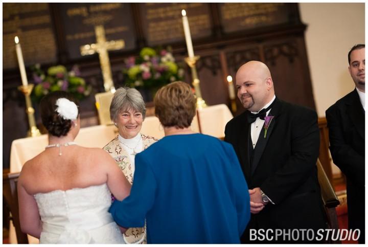 Stratford-CT-church-creative-wedding-photographer-10-720x483.jpg
