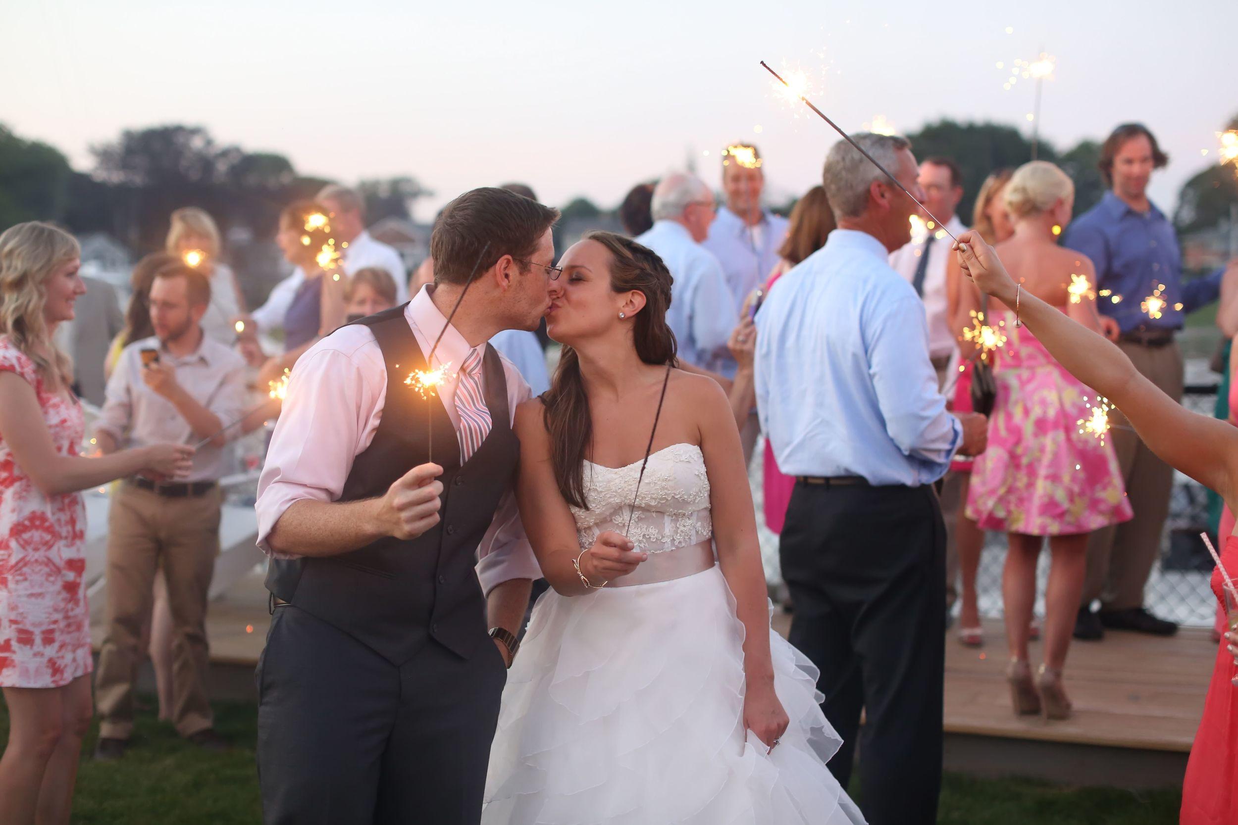 Milford Yacht Club Wedding Fairfield County Wedding Amy Champagne Events54.jpg