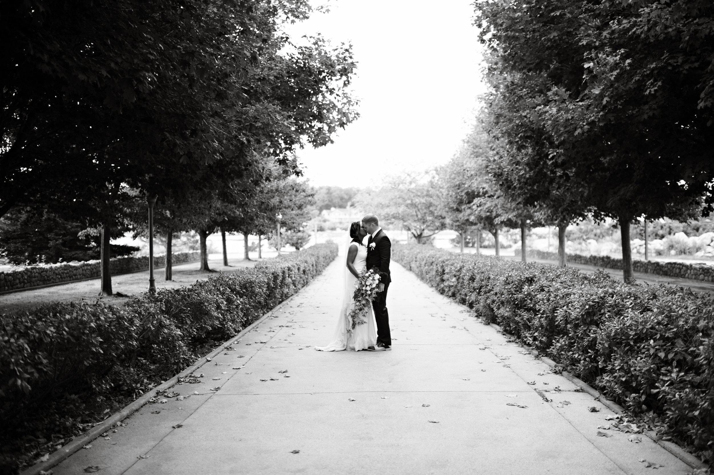Mystic Seaport Estate Wedding Ashley Therese Photography-37.jpg