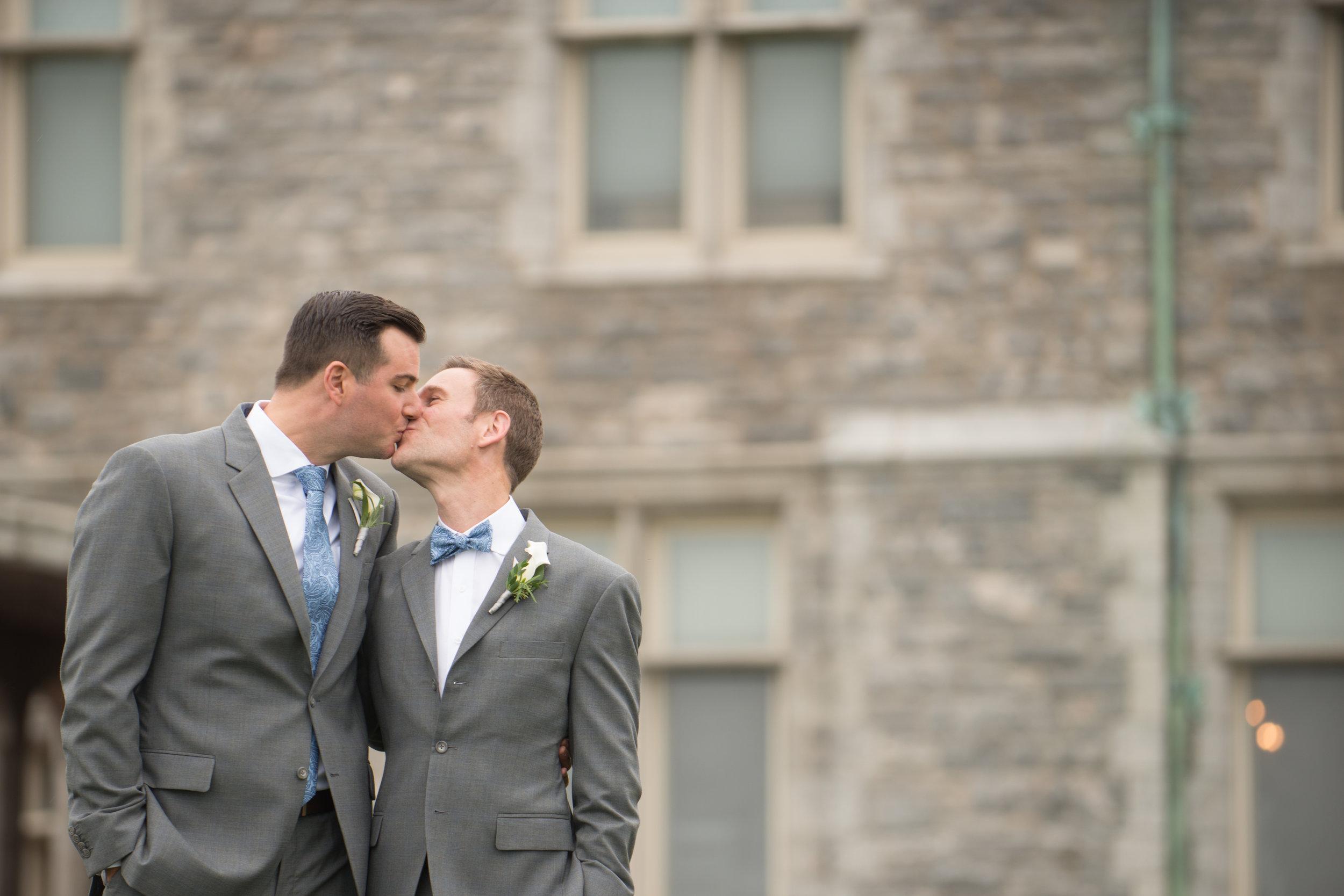 RW: Silver & Blue Mansion Wedding - Fall