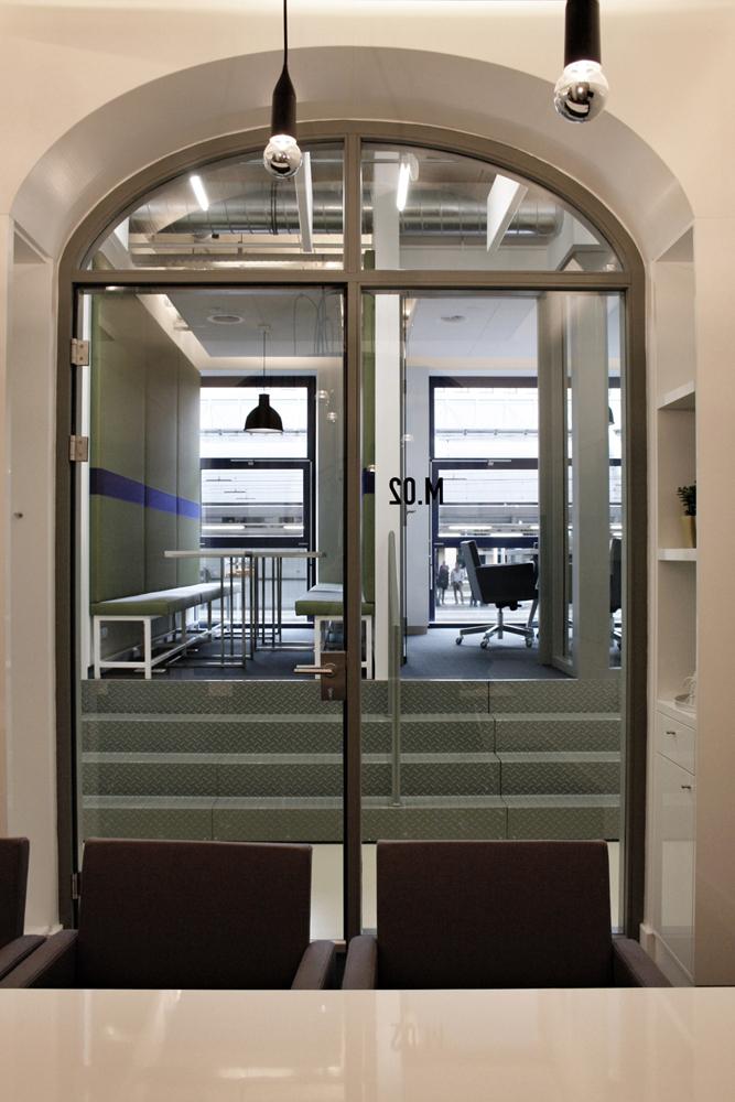 meetingroom2_LR.jpg