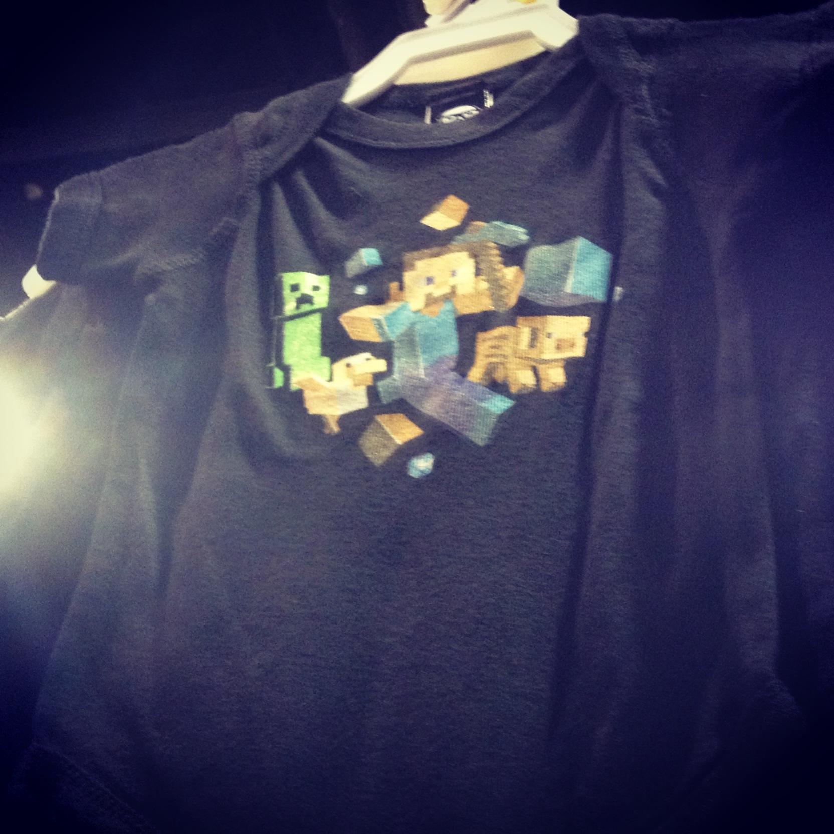 minecraft-shirt-heroes-con-2013.JPG