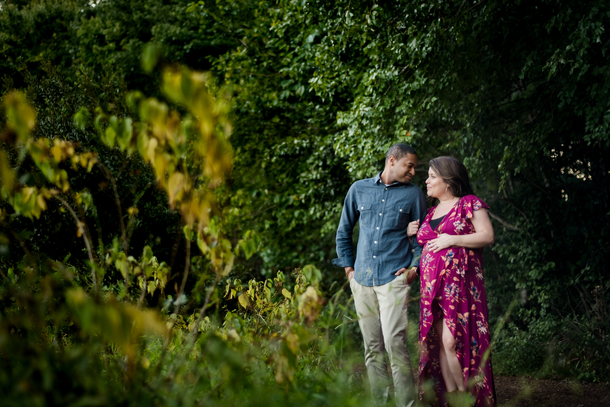 Lifestyle home maternity session in Holly Springs | Lifestyle photographer, Ariana Watts