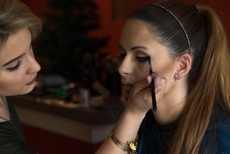 Jillianna Applying Natalie's Makeup